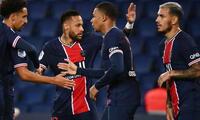Neymar anotó dos goles en la goleada del PSG.
