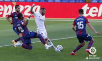 El francés Benzema llegó ante el Levante a los  250 goles en el Real Madrid.