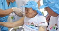 Adultos mayores podrán vacunarse contra enfermedades mortales de manera gratuita.