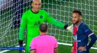 Neymar explotó contra el réferi por beneficiar al rival.