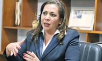 La decana del Colegio de Abogados, María Elena Portocarrero, mostró su rechazo frente a las declaraciones del abogado Paul Muñoz.
