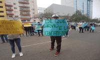 Los estudiantes de la UNFV protestaron en frontis del rectorado para exigir la restitución de los profesores.