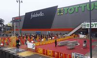 Ministra Rocío Barrios recalcó las medidas que deben seguir los centros comerciales.
