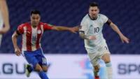Lionel Messi anotó a Paraguay , pero su gol fue anulado.