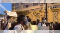 San maraquinos protestan contra el golpe de Estado.