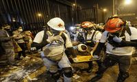 Tras el impacto de la bomba lacrimógena en la pierna izquierda por parte de la Policía, fue trasladado al Hospital Guillermo Almenara