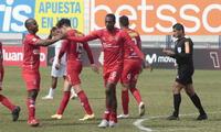El panameño Ayarza fue el autor del gol de la victoria de Cienciano ante Grau.