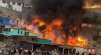 Incendio azota viviendas en Villa María del Triunfo.