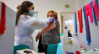 Gobierno español anuncia que comenzará a vacunar contra el COVID-19 en enero
