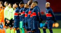 Neymar se retiró de la cancha junto con los jugadores del Istanbul.