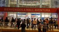 Centros comerciales registran largas colas