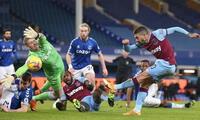 West Ham derrotó por 1-0 al  Everton que tuvo el regreso de  James Rodríguez.