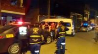 Sujetos asaltaron a varios pasajeros de una combi.