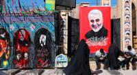 Ciudadanos se reúnen en el aeropuerto de Bagdad para conmemorar la muerte de Soleimani