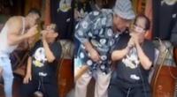 Cachucha hizo concierto en la puerta de su casa sin protocolos de seguridad
