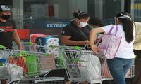 Las bolsas de plástico dentro de los supermercados y tiendas por departamento costarán S/ 0.30.