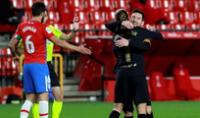 Con dobletes de Griezmann y Messi  Barcelona golea 4-0 a Granada.