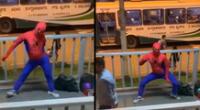 Peculiar baile de 'Spider-Man' se hizo viral en las redes sociales.