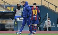 Lionel Messi vio por primera vez la expulsión con la camiseta del Barcelona.