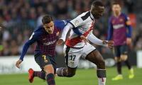 Luis Advíncula espera romper la mala racha y ganar al Barcelona de Messi.