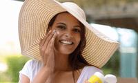 Procura usar sombreros de ala ancha al salir de casa para cubrirte del sol.