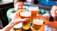 Waldo Mendoza, el ministro de Economía, anunció que en enero habrían cambios en el Impuesto Selectivo al Consumo para las bebidas alcohólicas y cigarrillos.