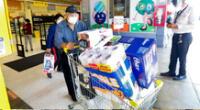 Tras el anuncio de la cuarentena total, diversos usuarios se aproximaron a comprar abastecimiento en supermercados.