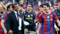 Laporta que postula nuevamente a la presidencia del Barcelona da respaldo a Messi.