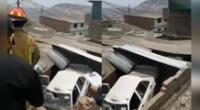 Bomberos y agentes de la Policía Nacional del Perú se encuentran atendiendo la emergencia.