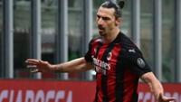Zlatan anotó dos goles al Crotone y llegó a los  501 tantos.