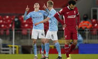 Desilusión de Salah por la derrota 4-1 del Liverpool ante el City.