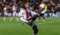 Luis Advíncula no pasó de una regular actuación en la derrota de Rayo ante Tenerife.