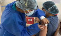 Las 700 mil vacunas de Sinopharm servirán para inmunizar a todo el personal de salud