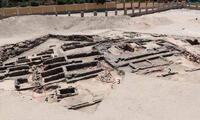 El hallazgo tuvo lugar en el norte de Abidos, en la provincia de Suhag, por una misión arqueológica conjunta egipcio-estadounidense.