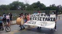 Protesta de universitarios de San Marcos por vacunación.