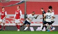 Raheem Sterling apenas a los dos minutos abre el marcador al Manchester  City.