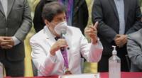 El decano del Colegio Médico del Perú, Miguel Palacios, indicó que los profesionales de la salud  involucrados en el caso Vacunagate serán investigados sin distinción de cargo.