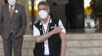 Presidente recibió segunda dosis de vacuna en el Hospital Militar Central.