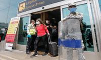 Suspenden vuelos procedentes de Reino Unido, Brasil y Sudáfrica