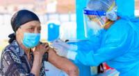 Más de 1000 adultos mayores fueron vacunados.