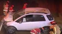 Un accidente se registró en la Costa Verde. Los bomberos acudieron al lugar de los hechos en Barranco.