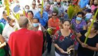 Un sacerdote de Honduras pidió perdón el lunes por haber arrancado, un día antes, el cubrebocas del rostro al menos a dos feligreses.