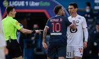 Neymar se pelea con jugador de Lille y es expulsado.