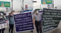 Transportistas protestan en carril de la Carretera Central.