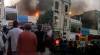 Reportan incendio frente a la Plaza Italia