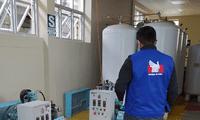 La capacidad de la planta del hospital no cumple con la necesidad de los pacientes COVID-19 que requieren de oxígeno medicinal.