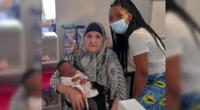 Adulta mayor salva la vida de una bebé que no podía respirar ante el pedido de ayuda de la madre.