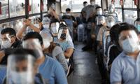 Pasajeros deberían viajar con las ventanas abiertas para evitar contagios en el transporte público.