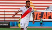Luis Cardoza , feliz por el gol marcado que significó de la victoria. El colombiano es jugador de confianza de Franco Navarro.