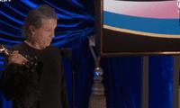 Frances McDormand fue breve en su agradecimiento por recibir el galardón.